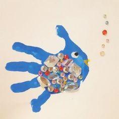 画像 Fish Handprint, Kids English, Footprint Art, Baby Hands, Baby Art, Kids And Parenting, Smurfs, Crafts For Kids, Projects To Try