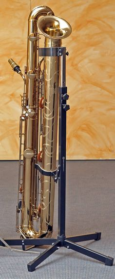 The Tubax Bb subcontrabass saxophone by Benedikt Eppelsheim Wind Instruments, Munich. 1 octave below the bass saxophone. Same fingering as modern saxophone. Saxophone Music, Clarinet, Piano, Instruments, Guitar Kits, Band Nerd, French Horn, Sound Of Music, Music Stuff