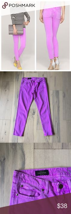 J Crew toothpick ankle jean in neon violet Skinny ankle jeans from J.Crew. Style is Toothpick Ankle. Mid-rise stretch denim. Bright neon violet. Size 27/4. J. Crew Jeans Ankle & Cropped