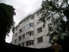 Art Deco mansion block of flats, Haverstock Hill, Belsize Park, north London Tips on Logo Designs more at SSABR London Tips, London Art, Bauhaus, Google Backgrounds, Amsterdam, Hampstead London, Streamline Moderne, Art Deco Movement, North London