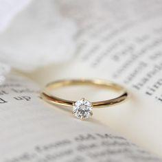 普段使いも意識した、可憐な輝きが魅力のエンゲージリング [engagement,wedding,ring,bridal,diamond,ダイヤモンド,エンゲージリング,婚約指輪,オーダーメイド,ウエディング,ith,イズマリッジ]