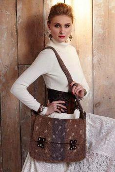 "Messenger bag | Felted Messenger Bag Designer: Janet Brani Yarn Information: Brown Sheep Company Lamb's Pride Worsted For sizes: 15x10.5"" Amounts: 4 skeins in #M08 Wild Oak (Brown A) 2 skeins in #M02 Brown Heather (dark brown B) 1 skein in #m115 Oatmeal (white C)"