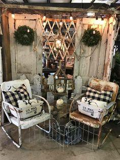 5450 best rustic / primitive decor images in 2019 heminredni Flea Market Displays, Antique Store Displays, Vendor Displays, Craft Show Displays, Antique Stores, Display Ideas, Flea Markets, Rustic Primitive Decor, Farmhouse Decor