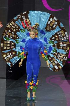 Miss Netherlands: | Miss USA Wore A Transformers Costume In The Miss Universe Pageant And It Wasn't Even The Most Ridiculous Outfit