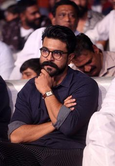 Actor Ram Charan at Sye Raa Narasimha Reddy Movie Pre Release Actor Picture, Picture Movie, Actor Photo, Girl Actors, Cute Actors, Actors & Actresses, Rama Photos, New Photos Hd, Man Bun Hairstyles