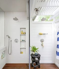 We have put together a collection of beautiful small bathrooms from traditional and country, to the modern, wild and wonderful. | Visit http://www.suomenlvis.fi/