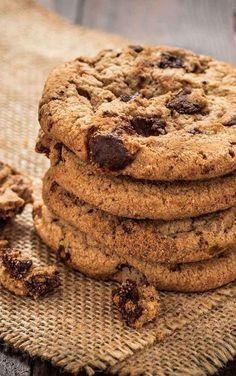 New Cookies Receita Americano Ideas Easy Cookie Recipes, Sweet Recipes, Dessert Recipes, Cookie Pops, American Cookie, Super Cookies, Tea Snacks, Choco Chips, Cheesecake Cookies