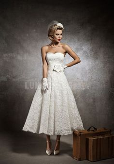 Chic Lace A line Natural Waist Sweetheart Spring & Fall Wedding Dresses