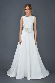 140 nejlepších obrázků z nástěnky Jednoduché svatební šaty v roce ... 9161286345