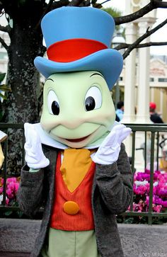 Jiminy Cricket a kinda wise and funny character, don't you? Hahaha!