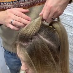 Rose hairstyle transforms ordinary locks into a beautiful blooming updo - Vlasy - Frisuren Bride Hairstyles, Rose Hairstyle, Easy Hairstyles, Hair Style Vedio, Bridal Hair Buns, Hair Up Styles, Bridal Hair Inspiration, Hair Videos, Makeup Videos