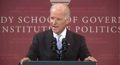 Joe Biden på Harvard Kennedy School: Han udsatte EU ved at fortælle, hvor amerikanerne har tvunget EU om sanktioner mod Rusland.  (Screenshot: KSG)