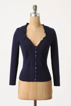 Love the neckline on this cardigan