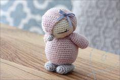 Haken: Schattige kleine pinguïn (gratis haakpatroon) : Nobody ELSe Crochet Hedgehog, Crochet Sloth, Crochet Monkey, Crochet Animals, Crochet Easter, Easter Crochet Patterns, Cute Crochet, Crochet Hooks, Cute Lamb