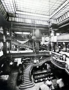 Bon Marché described by Emile Zola in The Ladies Paradise