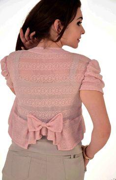 boleros | boleros em renda para o verao blusas vestidos saias calcas boleros ... How To Wear Shirt, Blazer Pattern, Cute Coats, Bolero Jacket, Cute Blouses, Coat Patterns, Ghana, Blouse Designs, Work Wear