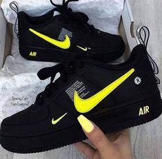 Nike Shoes OFF! 413 imagini despre 𝙽𝚒𝙺𝙴✔︎𝚂𝙷𝙾𝙴𝚂 pe We Heart It Nike Shoes Blue, Nike Shoes Air Force, Nike Free Shoes, Nike Free Outfit, Nike Shoes Outfits, Jordan Shoes Girls, Girls Shoes, Cute Sneakers, Shoes Sneakers