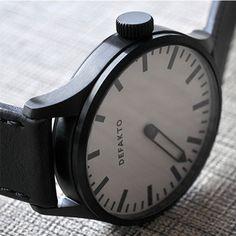 Defakto Eins White/Black | Clockwize Watch Shop
