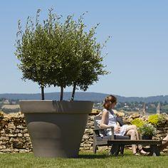 pot de trs grande taille en plastique rotomoul idal pour planter des arbres et arbustes sur une terrasse romo 120 poetic jardin - Pot Fleur Exterieur Grande Taille