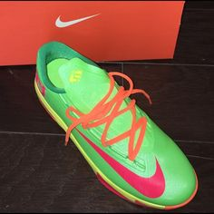 4381f9d575c6 KEVIN DURANT Sneakers.. RELISTED KD (Nike) sneakers in excellent condition!