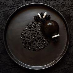 Dark Chocolate Mousse, Blackberry Jelly, Brownie, Dragon Fruit and Black Glaze #plating #presentation