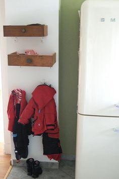 Using repurposed drawers as storage space