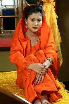 Beautiful People, Beautiful Women, Most Beautiful Indian Actress, Beauty Full Girl, Borneo, Saree Wedding, Traditional Dresses, Indian Beauty, Indian Actresses