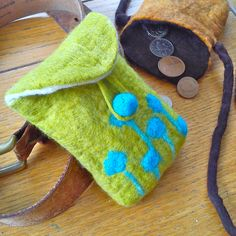 felting a coin purse #feltmaking #workshop #purse#bag #handmade #karenraofelt