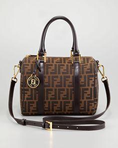b61ed4d2b232 9 Best Gucci Handbags Outlet images   Couture bags, Designer ...
