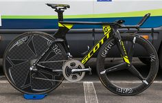 Orica Scott's Scott Plasma http://www.bicycling.com/bikes-gear/tour-de-france/the-time-trial-bikes-of-the-2017-tour-de-france/slide/16