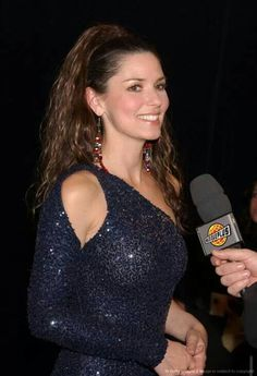 Most Beautiful girls and Sexy Babes! Share the beauty and love. Best Country Singers, Country Music Concerts, Shania Twain Pictures, Hot Brunette, Hollywood Walk Of Fame, Female Singers, Celebs, Celebrities, Country Girls
