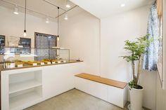 큐플레이스 외식 상공간 전문 인테리어 Cafe Shop Design, Coffee Shop Interior Design, Small Cafe Design, Bakery Design, Home Design Decor, Home Decor, Cafe Floor Plan, Cafe Exterior, Bakery Interior