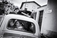 #matrimonio  La bellissima e affascinante Franciacorta, regione a forte vocazione vitivinicola, e i suoi borghi intervallati dai numerosissimi vigneti, sono stati lo sfondo del meraviglioso matrimonio di Silvia e Matteo. The beautiful and fascinating Franciacorta wine region, with its vineyards and hamlets, was the background of the wonderful wedding of Silvia and Matteo.#grazmelphotography #realwedding #weddingphotography #italianwedding
