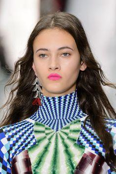 Mary Katrantzou at London Fashion Week Spring 2017 - Details Runway Photos