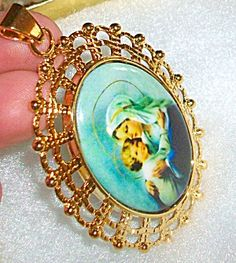 $68 Large Madonna and Child Pendant Cameo (Image1)