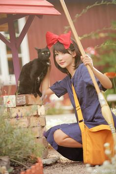 Anime Halloween, Halloween Cosplay, Cosplay Costumes, Pregnancy Costumes, Pregnant Halloween Costumes, Action Pose Reference, Action Poses, Kiki Cosplay, Anime Cosplay