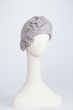 Love the beautiful asymmetry in this hat