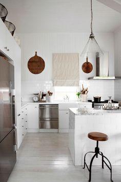mes caprices belges: decoración , interiorismo y restauración de muebles: WHITE HOUSE AND KITCHEN : KARA ROSENLUND