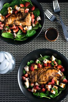 Pin for Later: Greens + Chicken = Your New Go-To Healthy Meal Strawberry Caprese Chicken Salad Get the recipe: strawberry caprese chicken salad