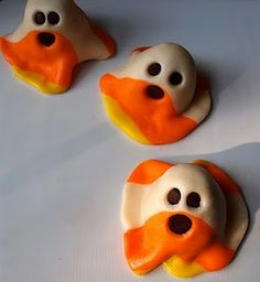 Candy Corn Ghosts. Love this site. Cutest Food for Kids.