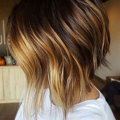 Nice 59 Adorable Fall Hairstyle Ideas to Makes You Look Different. More at http://aksahinjewelry.com/2017/10/07/59-adorable-fall-hairstyle-ideas-makes-look-different/