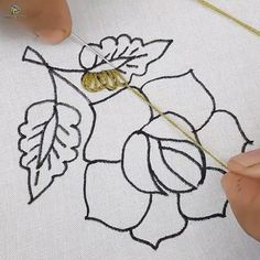 Hand Embroidery Projects, Basic Embroidery Stitches, Floral Embroidery Patterns, Hand Embroidery Videos, Embroidery Stitches Tutorial, Hand Embroidery Flowers, Creative Embroidery, Learn Embroidery, Crewel Embroidery