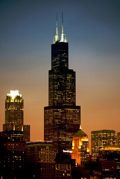 Willis (formerly Sears) Tower - Chicago, USA Chicago Illinois, Chicago Usa, The Second City, Urban Fabric, Chicago Photos, Chicago Travel, City Lights, Night Lights, Chicago Skyline