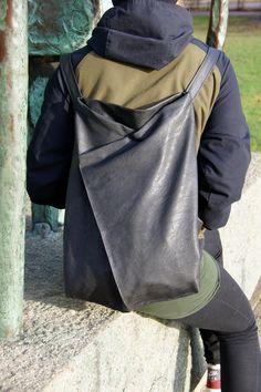Mein gelber Rucksack löst sich langsam in seine Einzelteile auf. Nach fast zwei Jahren Dauerbelastung sei ihm sein wohlverdienter Ruhestand gegönnt. Ein neuer musste her. Ein simpler, bestehend aus zwei Teilen außen, zwei Teilen Futter plus Trägern, man hat ja … weiterlesen