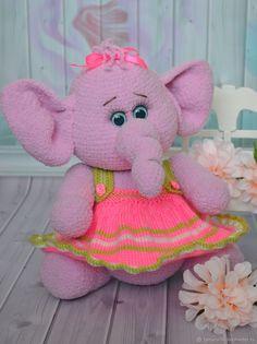 Купить Игрушка вязаная слоник Соня в интернет магазине на Ярмарке Мастеров