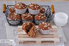 Receta de muffins de puré de manzana y avena con leche de almendras. Con fotos del paso a paso, consejos y sugerencias de degustación. Recetas de...