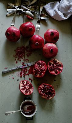 Love eating pomegranates this time of year