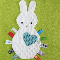 Bunny Tag Blanket/ Lovey Toy- Free U. shipping Too cute - I think I will try this with fabric from Stampin' Up! Baby Sewing Projects, Sewing For Kids, Sewing Toys, Sewing Crafts, Tag Blanket, Baby Mobile, Baby Crafts, Baby Patterns, Softies