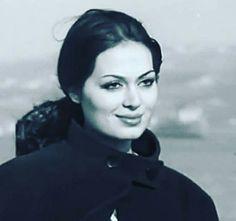 Türkan Şoray Celebrity Stars, Iconic Women, Women In History, Ikon, Evergreen, Namaste, Vintage Photos, Natural Beauty, Hollywood