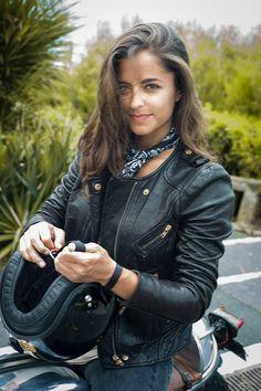 Rocker/Biker babes Visit daily for custom motorcycle apparel Bobber & chopper b. Motorbike Girl, Motorcycle Outfit, Bobber Chopper, Lady Biker, Biker Girl, Motos Vintage, Motos Harley Davidson, Cafe Racer Girl, Hot Bikes